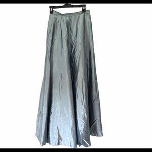 Hugo Buscati Size 6 Floor length Formal Maxi Skirt